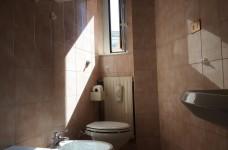 bagno box doccia e vasca