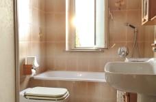 bagno vasca e doccia